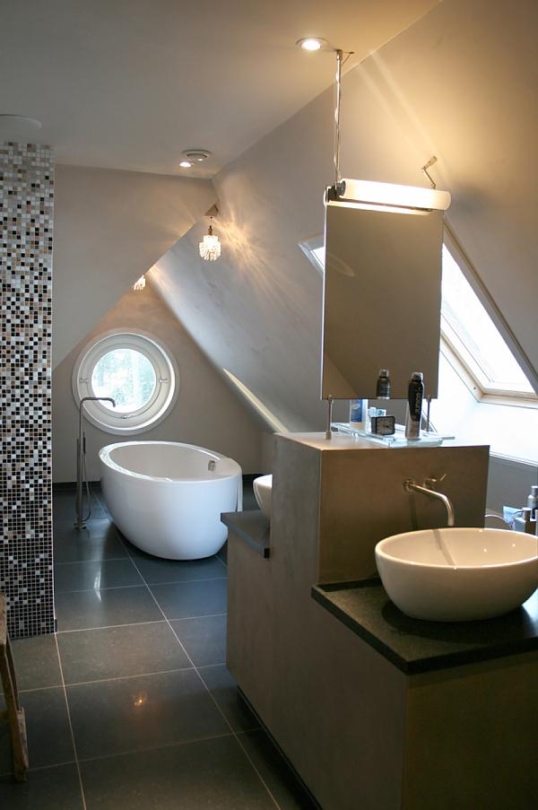 Lucie jansen - Badkamer onder het dak ...